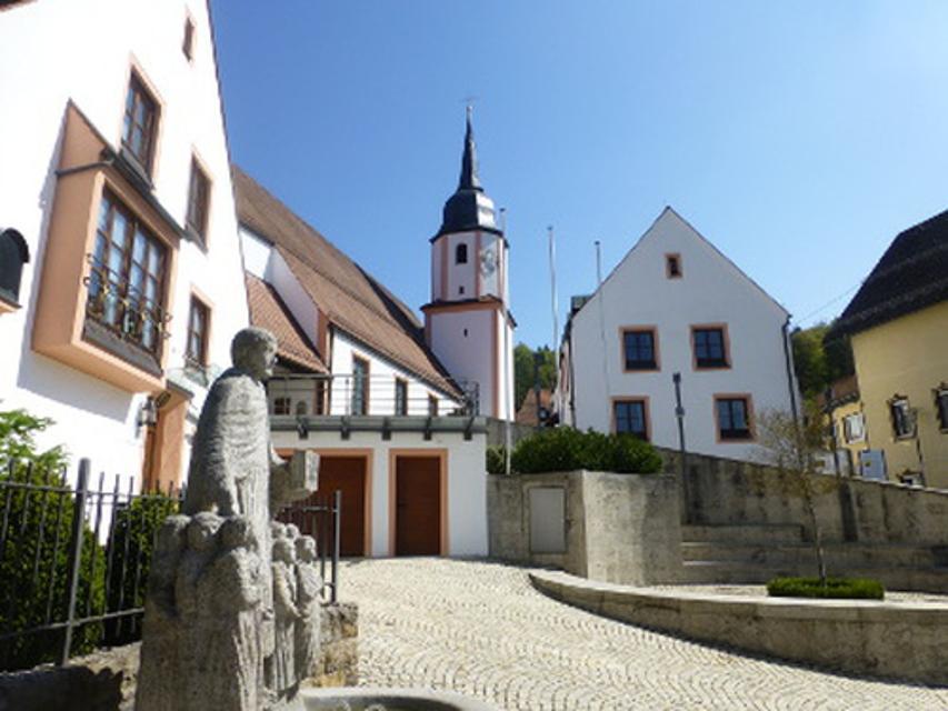 Kirchenumfeld Obertrubach