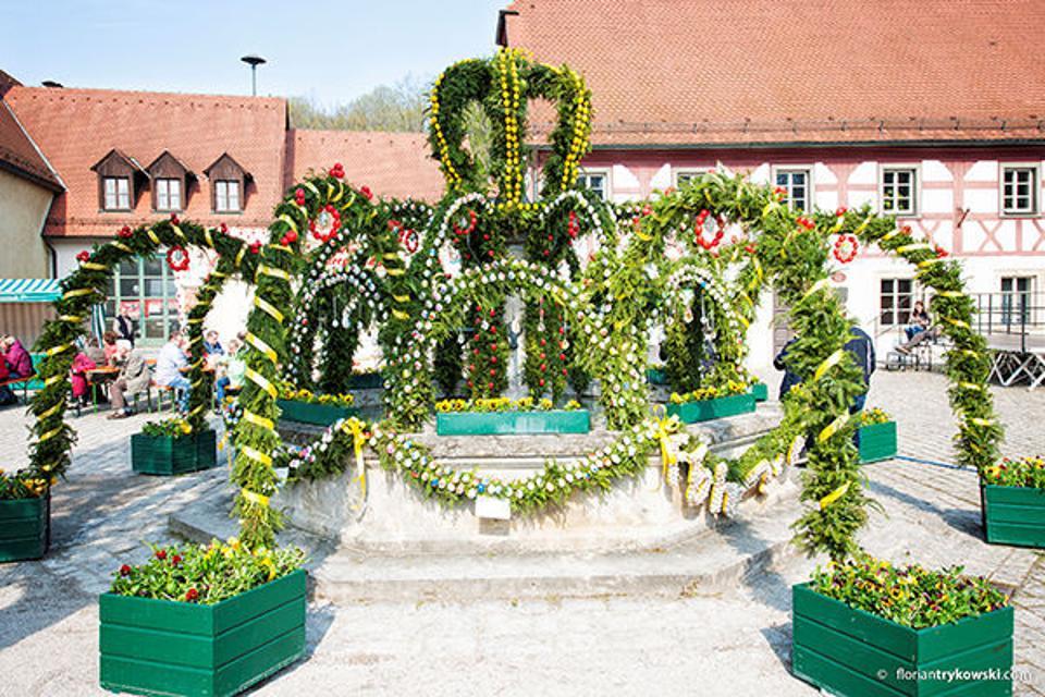 Osterbrunnen in Heiligenstadt