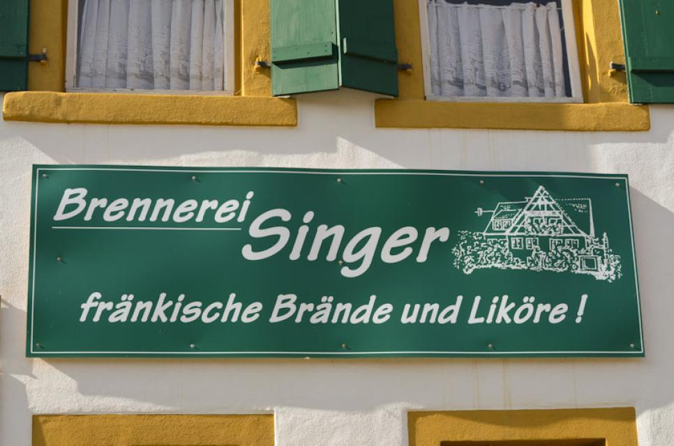 Die Brennerei Singer befindet sich direkt in Mittelehrenbach