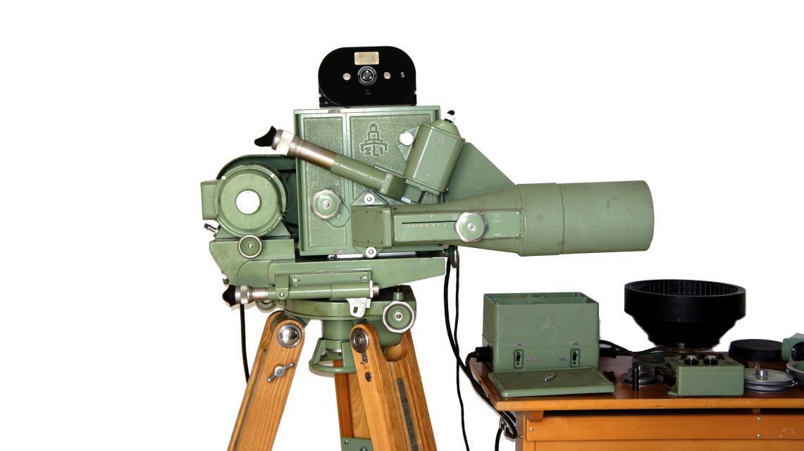 Die Zeitlupenkamera Pentazet 35 aus der früheren DDR schafft 40.000 (!) Aufnahmen in der Sekunde.