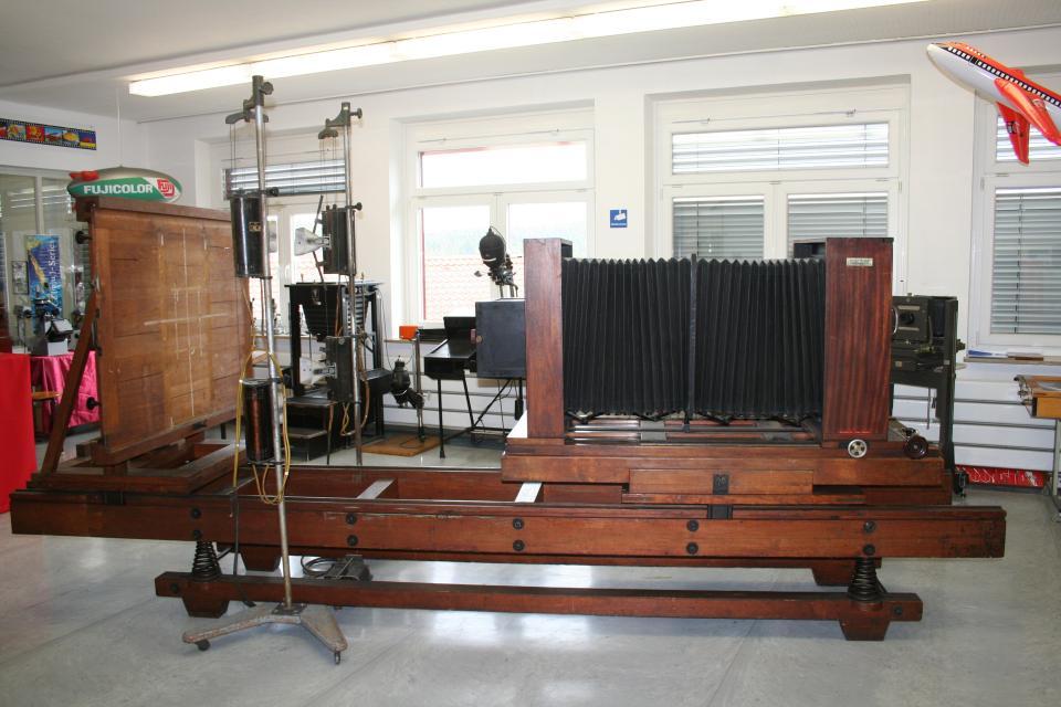 Die Reprokamera Falz & Werner ist 4,40 Meter lang und wurde etwa 1930 gebaut.