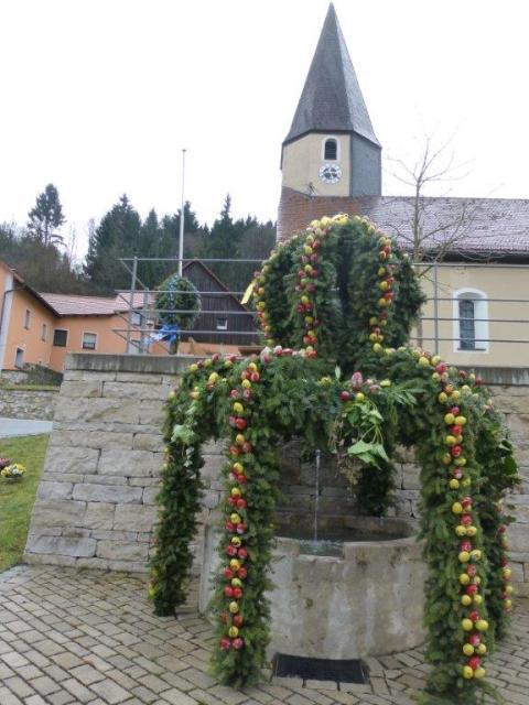 Osterbrunnen Untertrubach