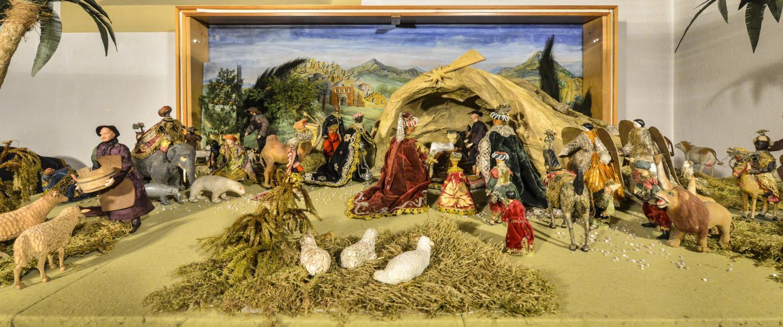 Barocke Ganzjahreskrippe mit 9 Darstellungen aus dem gesamten biblischen Kanon