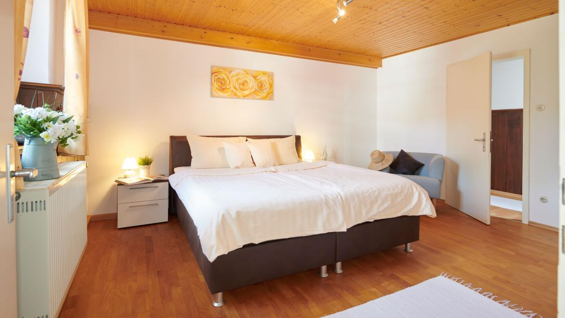 Fewo Schloßblick - Schlafzimmer 1