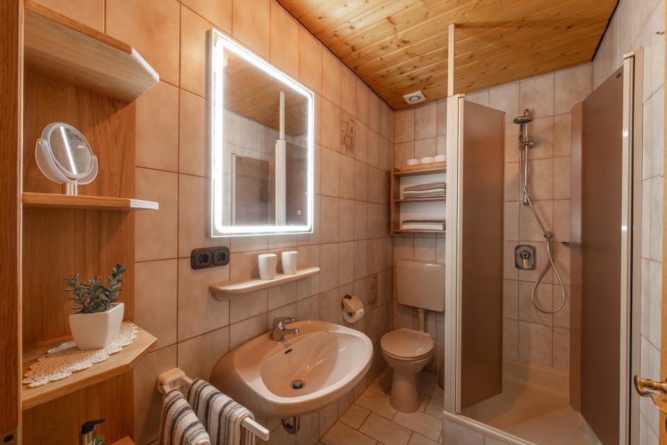 Ferienwohnung 1 - Badezimmer