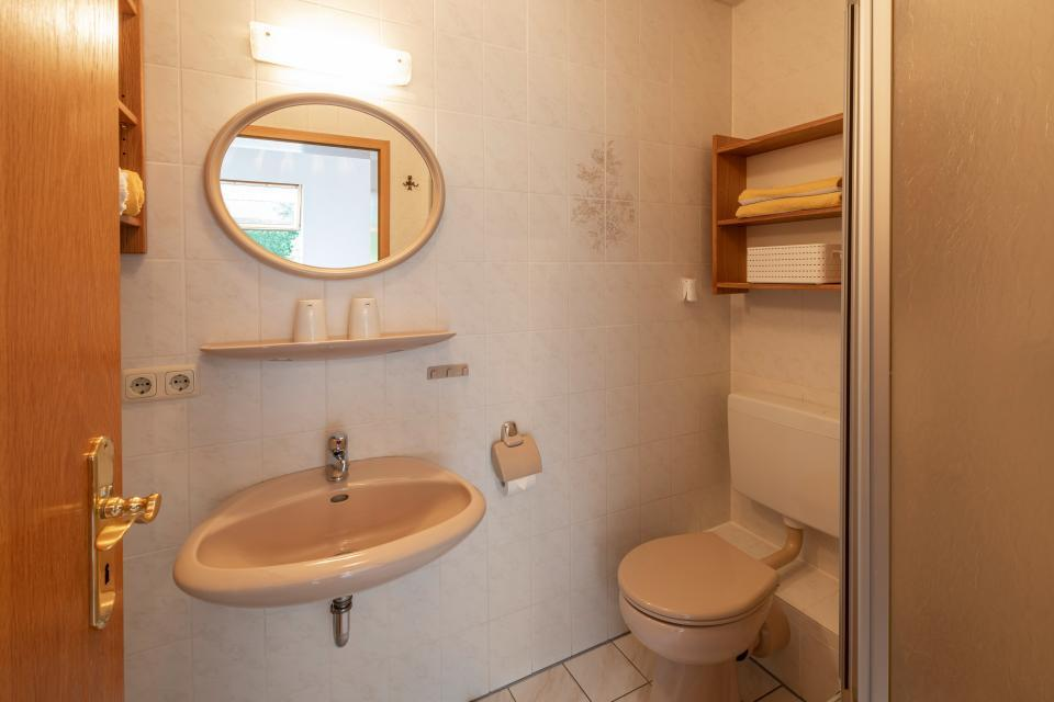 Ferienwohnung 2 - Badezimmer