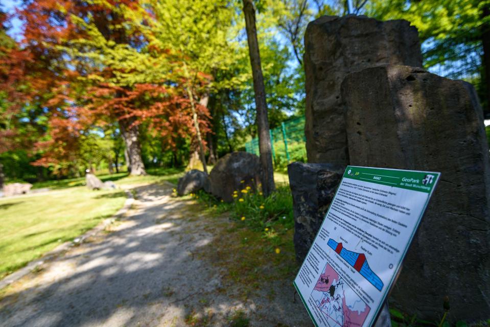 Schautafel im Geopark im Stadtpark
