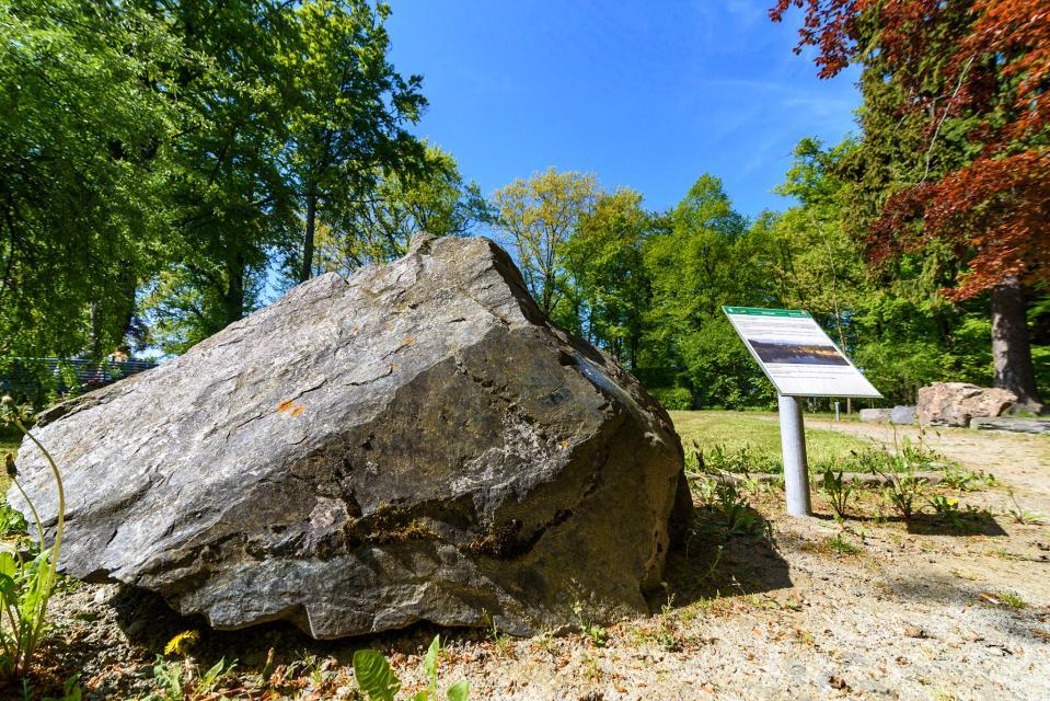 Gestein im Geopark im Stadtpark