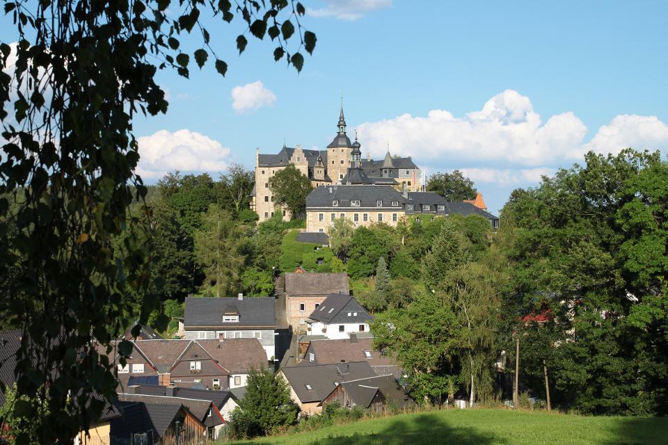 Blick auf die Burg Lauenstein