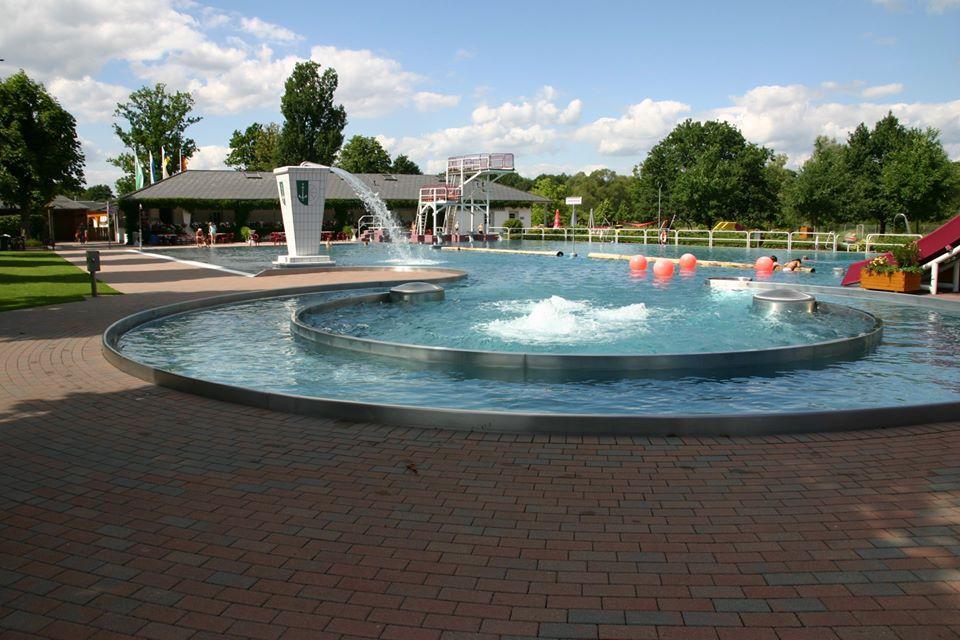 Schwimmbad Mainleus