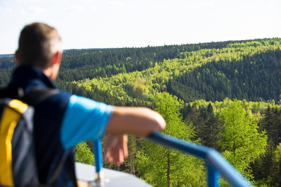Blick von der Thüringer Warte auf das Grüne Band