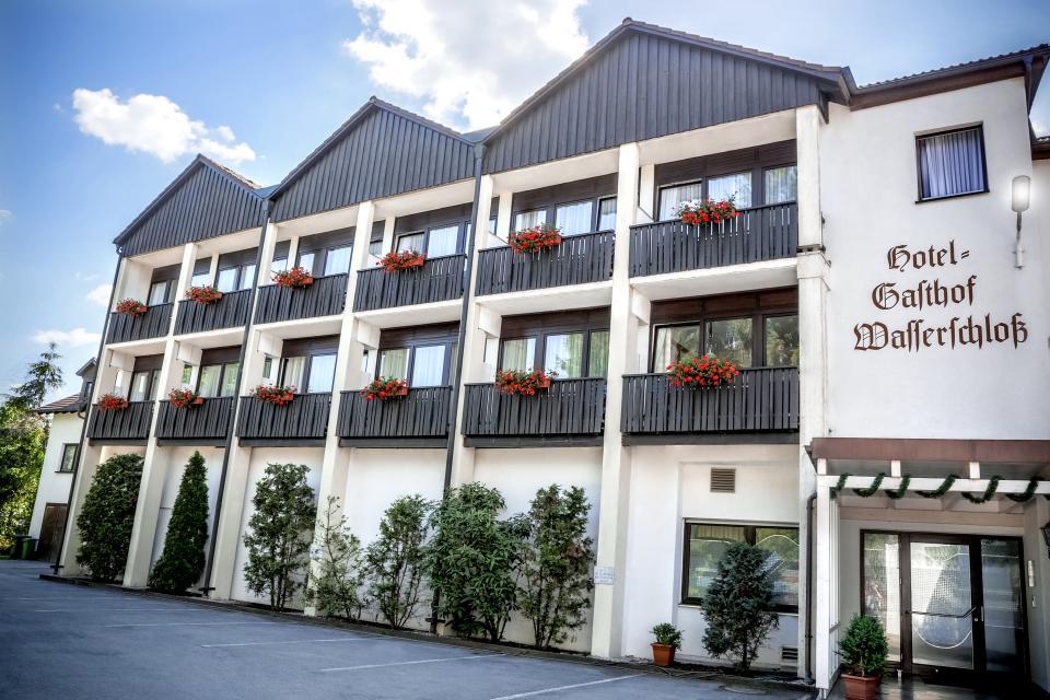 LOGAN FIVE GMBH - Hotel-Gasthof Wasserschloß