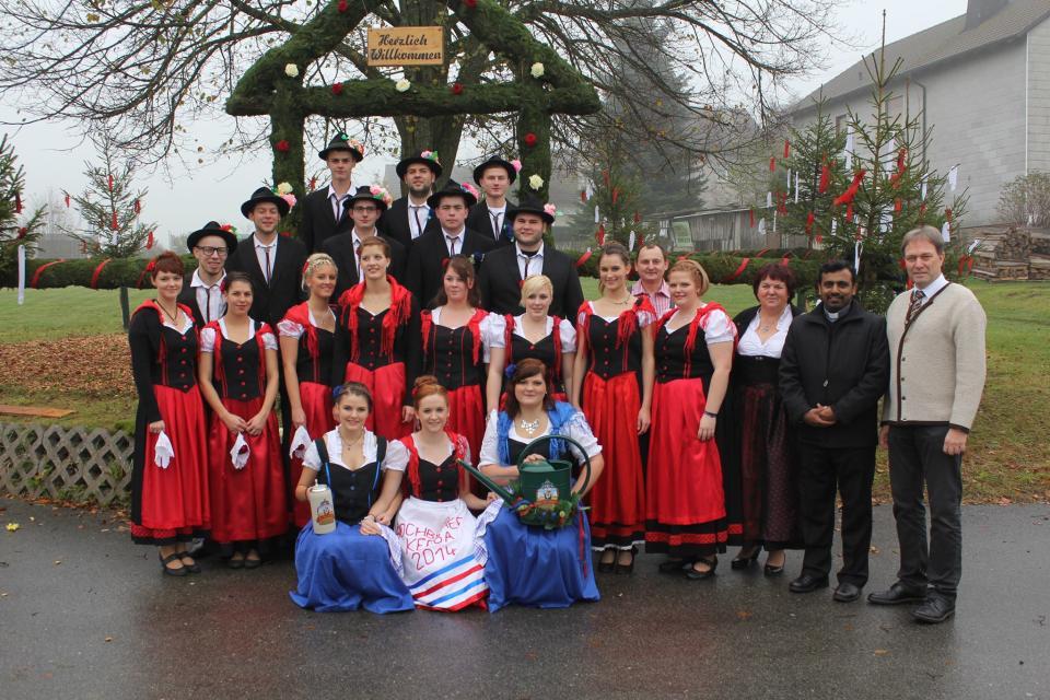 Traditionelle Trachtenkirchweih Buchbach