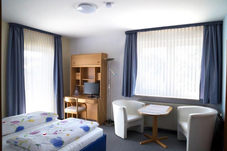 - Hotel garni*** Haus am Kurpark