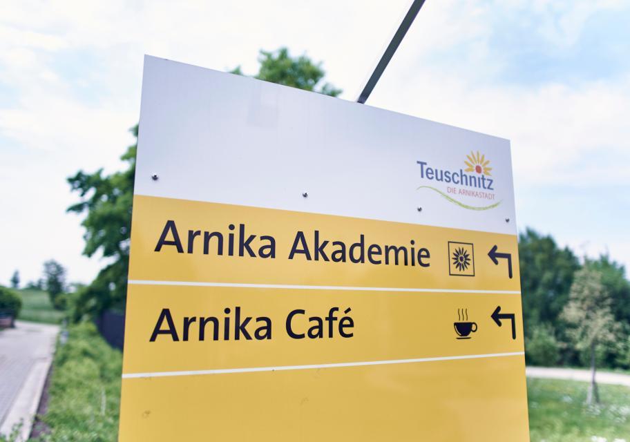 Arnika Akademie, Naturmanufaktur & Kräuterlehr- und Schaugarten Teuschnitz