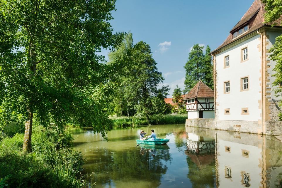 Stunden zu zweit am Wasserschloss Kleinbardorf