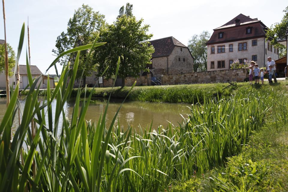 Idyllisches Schloss Leuzendorf