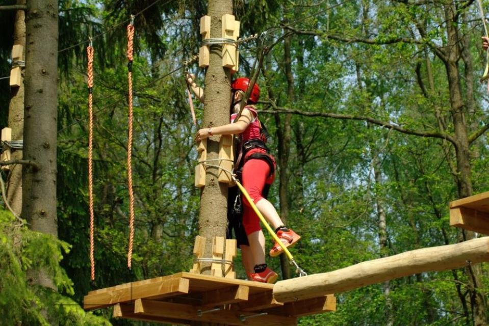 Spaß für Groß und Klein im Kletterwald
