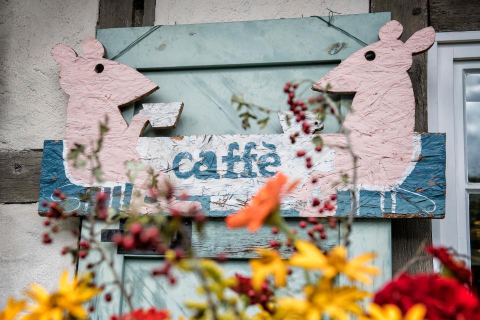 Kunsthandwerkerhof mit Café Königsberg
