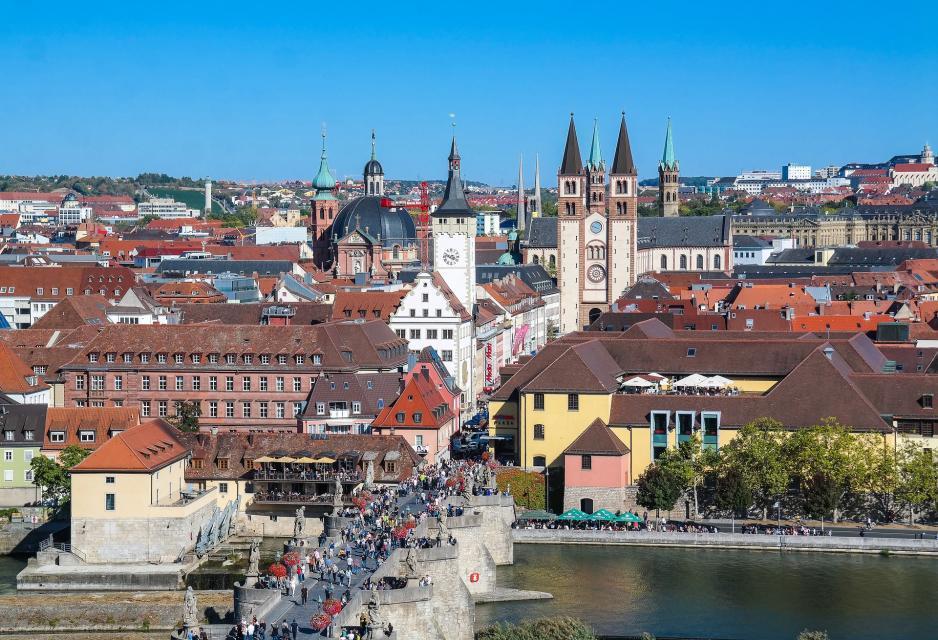Stadt Würzburg mit Altmainbrücke