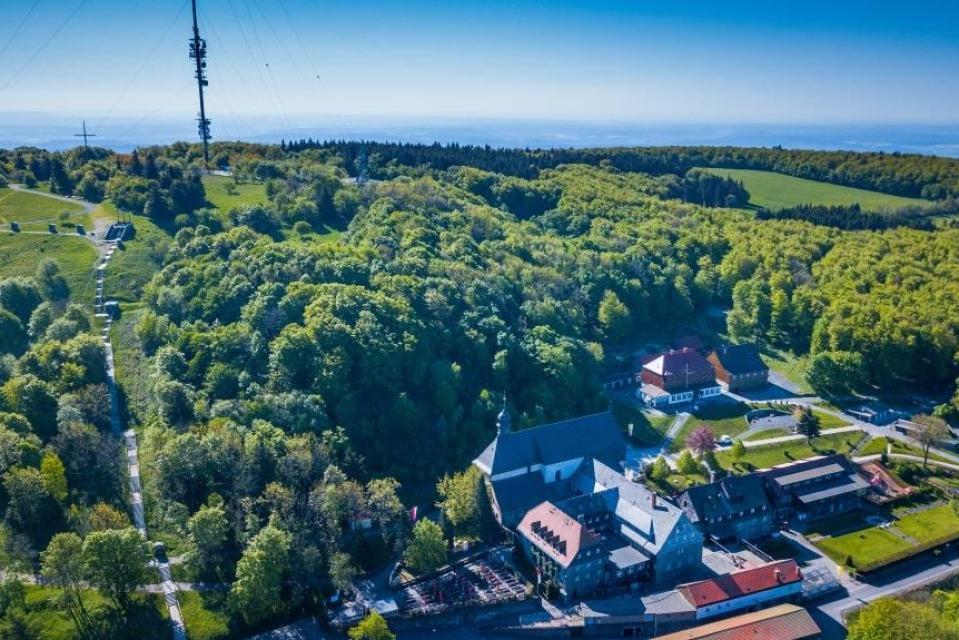 Wunderbarer Blick mit Kloster Kreuzberg