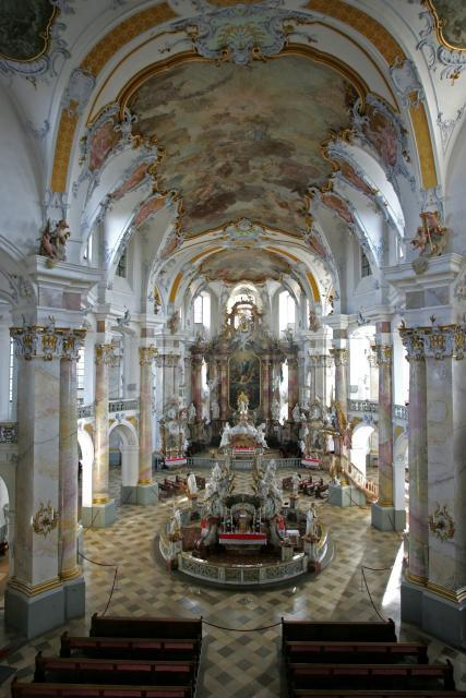 Innenraum der Basilika