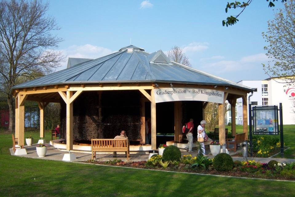 Gadierpavillon im Sommer