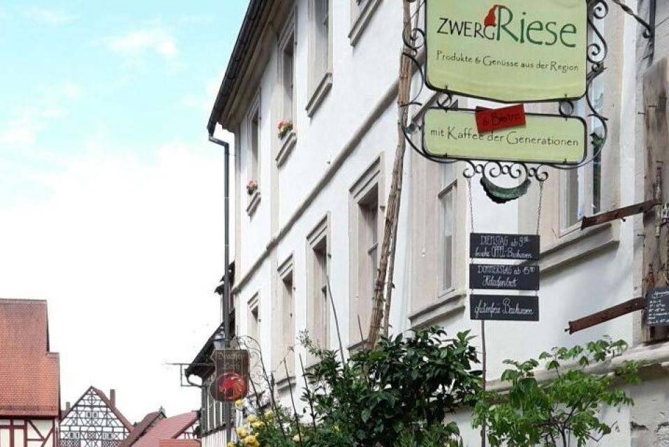 ZwergRiese in der Königsberger Altstadt