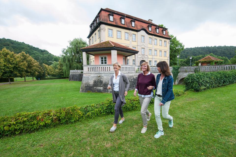 Oldtimertreffen im Schlosspark Gleisenau