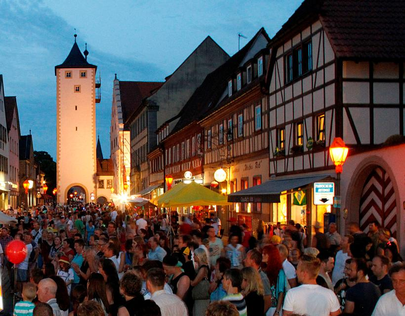 Kunstfestival mit langer Einkaufsnacht