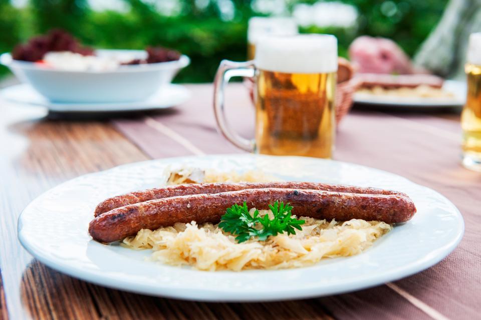 Traditionelles Bratwurstfest in Unfinden