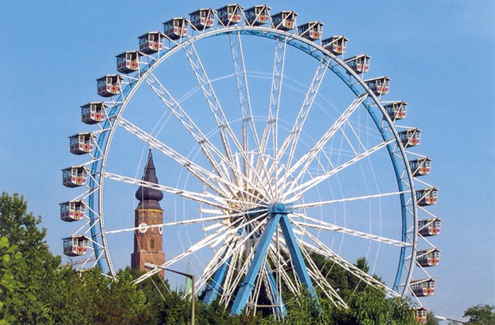 Riesenrad auf dem Gäubodenvolksfest