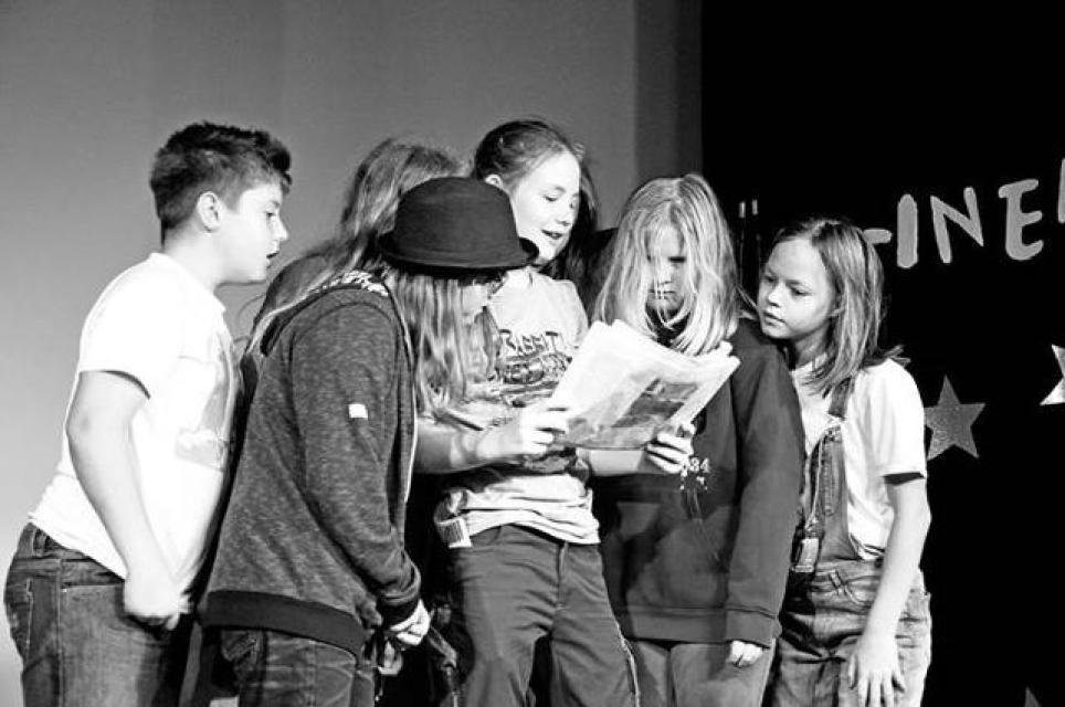 Theater: Jugendstück der Theatergruppe des Veit-Höser-Gymnasiums