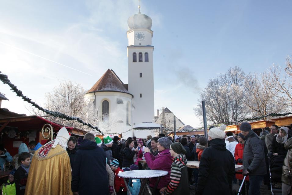 Winklinger Weihnachtsmarkt mit Nikolausbesuch -