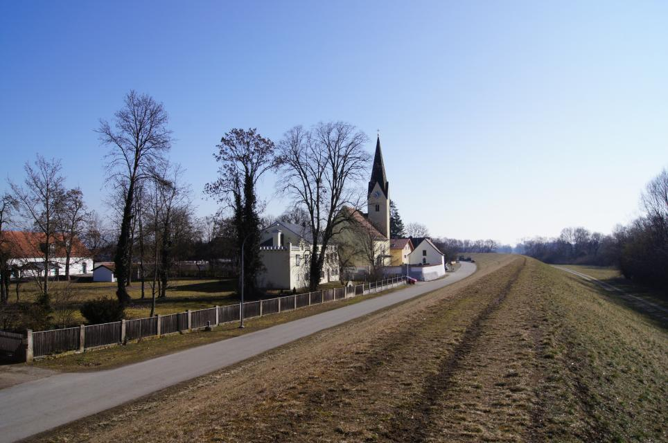 Kath. Pfarrkirche Mariä Geburt Mariaposching