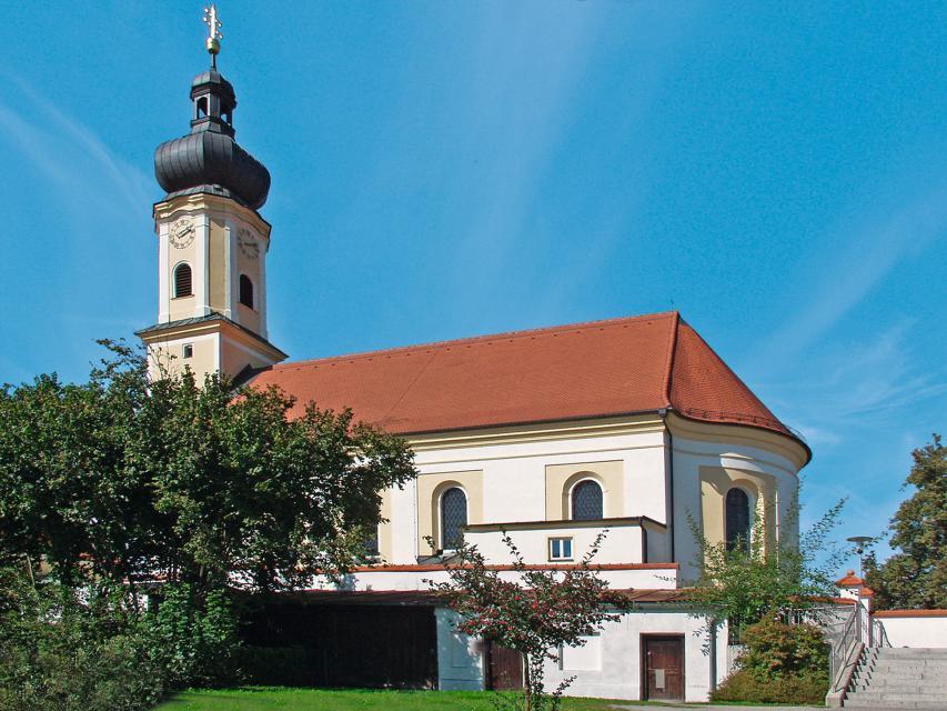 Kath. Pfarrkirche Mariä Himmelfahrt in Irlbach
