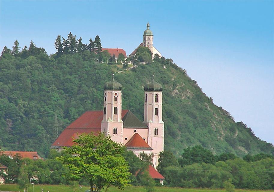 10 Kirchen und Burgen - Tour