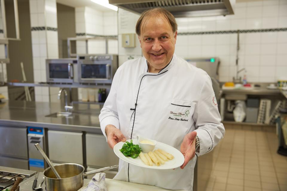 Küchenchef Hans-Peter Eberhard