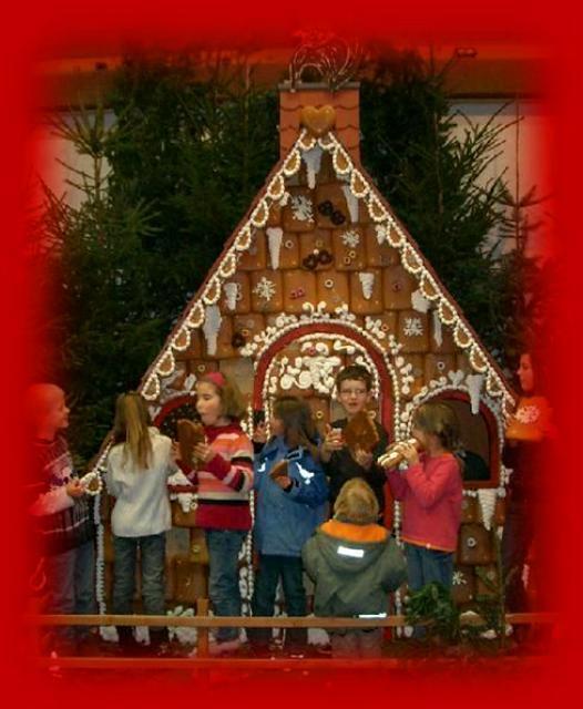 Weihnachtsmarkt mit Herz in Falken-Gesäß