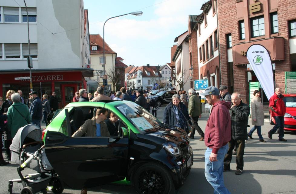 Verkaufsoffener Sonntag - Auto Frühling
