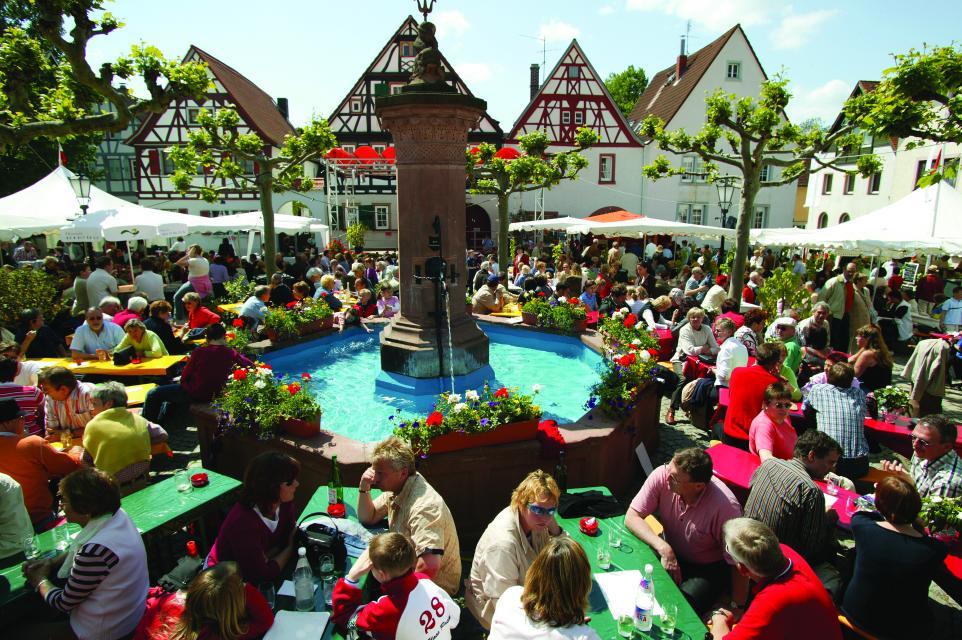 Weinfest in der historischen Altstadt