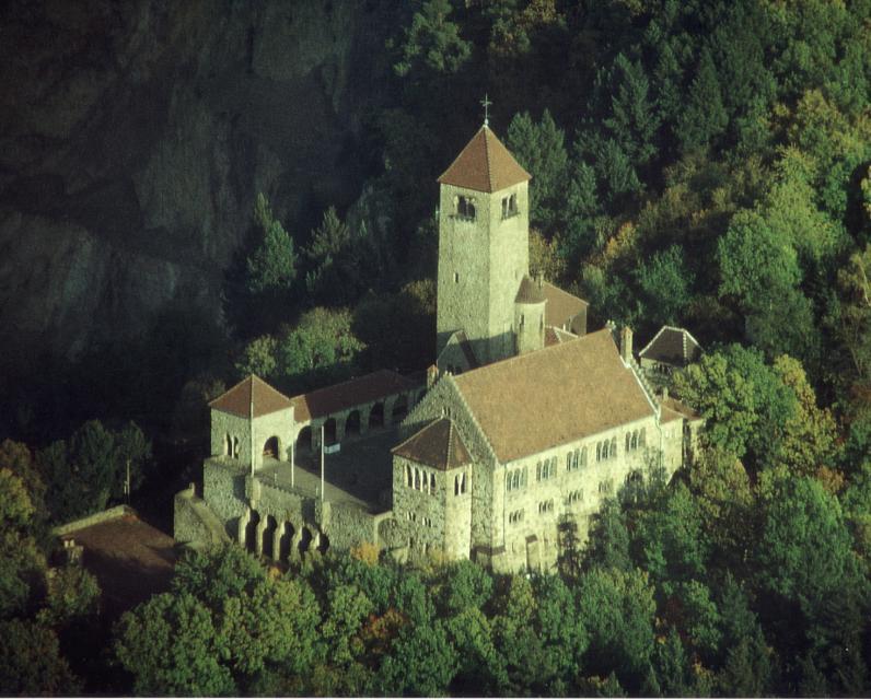 Rauf auf die Burg in Weinheim – Wanderspaß und Erlebnis auf dem Burgensteig Bergstraße