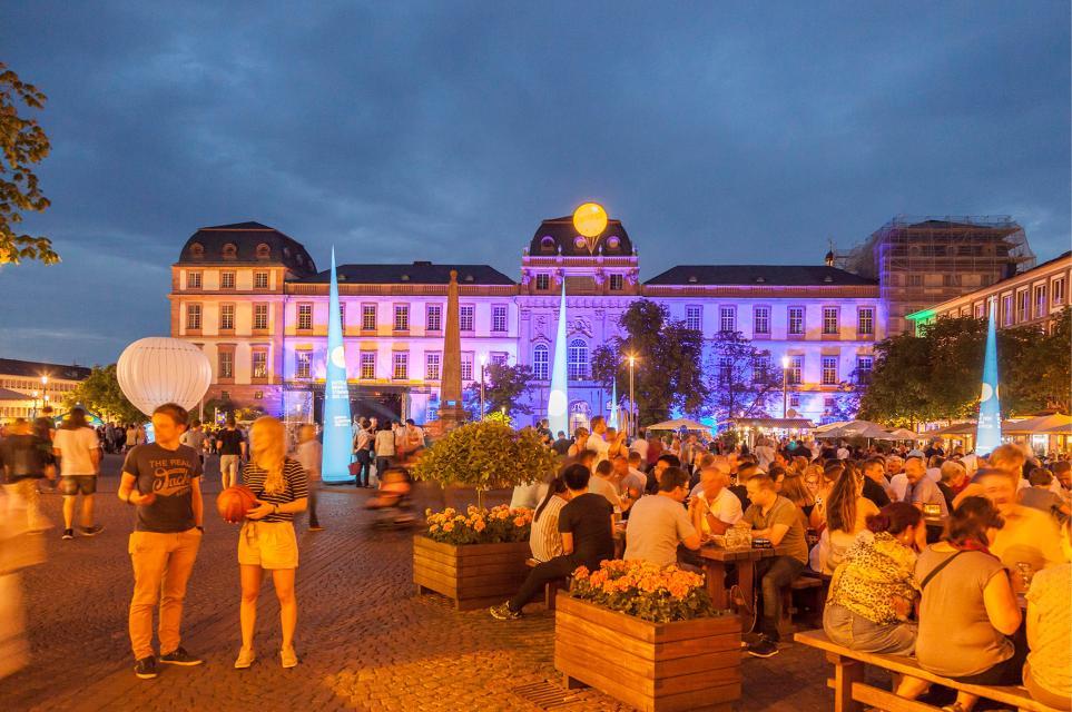 """""""Darmstadt unter Strom"""" mit Late-Night-Shopping"""