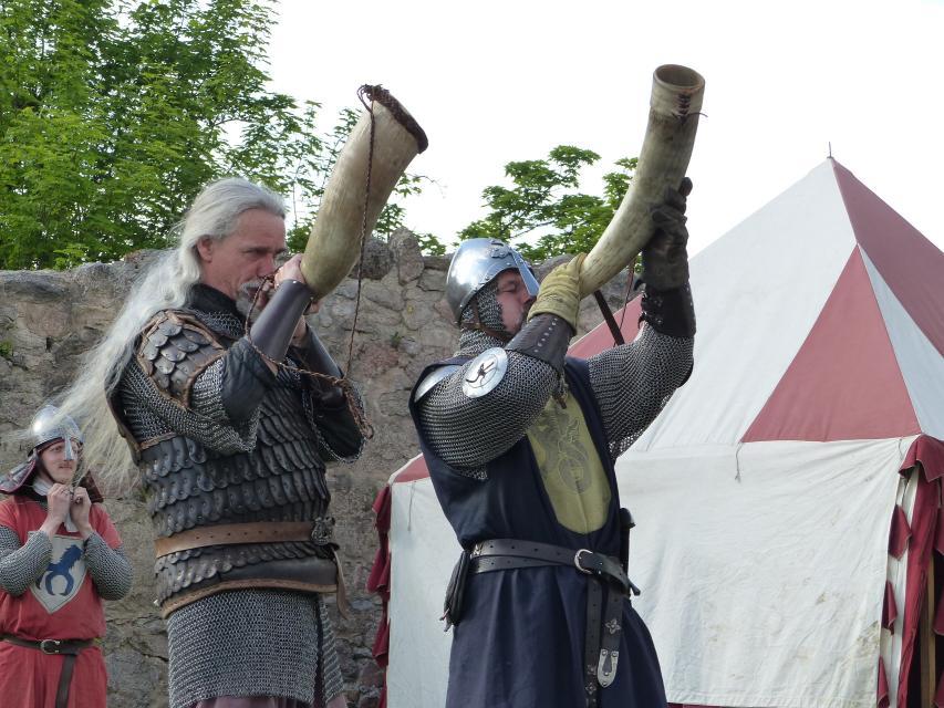 Drachenvolk und Kumpanei - Lagerleben auf Burg Lindenfels