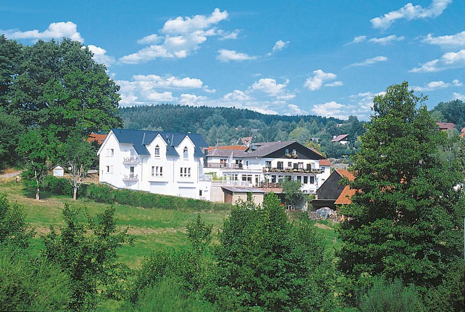 """Odenwald-Gasthaus Hotel """"Haus Schönblick"""""""