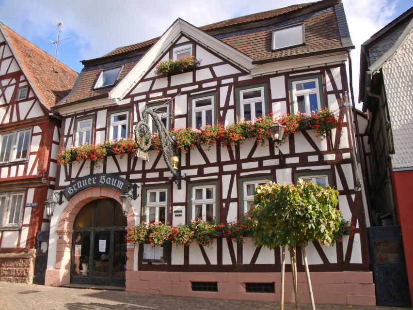 """Odenwald-Gasthaus """"Zum Grünen Baum"""" Historisches Gasthaus"""