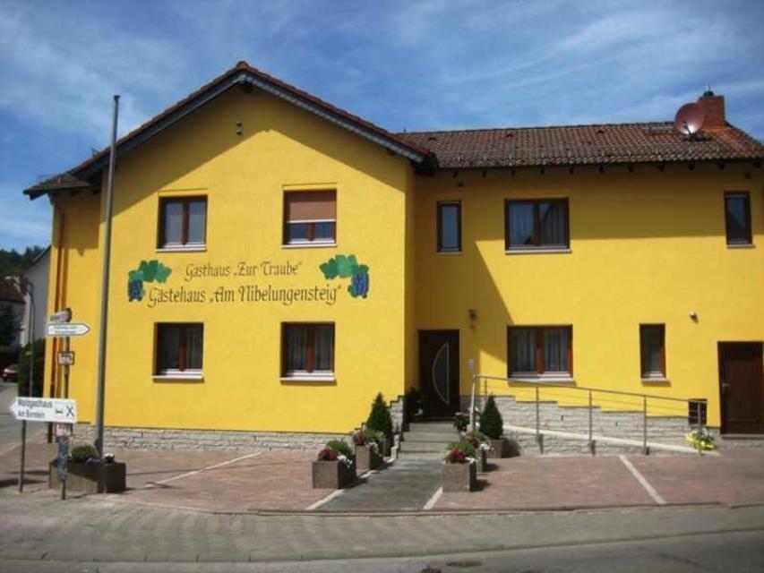 Gästehaus Am Nibelungensteig