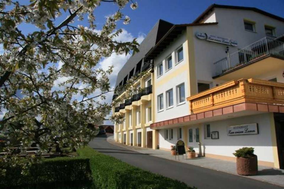 """Hotel """"Zum Weissen Lamm"""""""