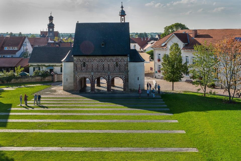 Rund ums Kloster Lorsch