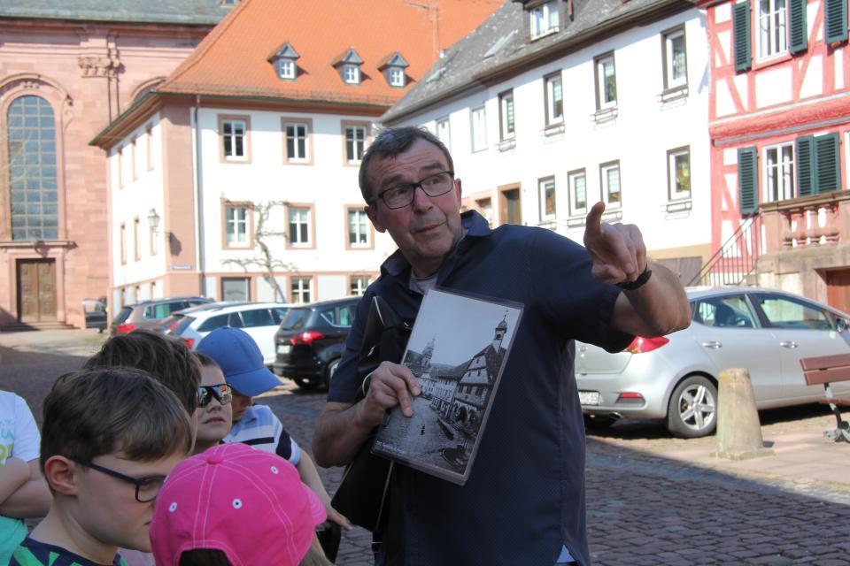 Rundgang durch die Altstadt von Amorbach